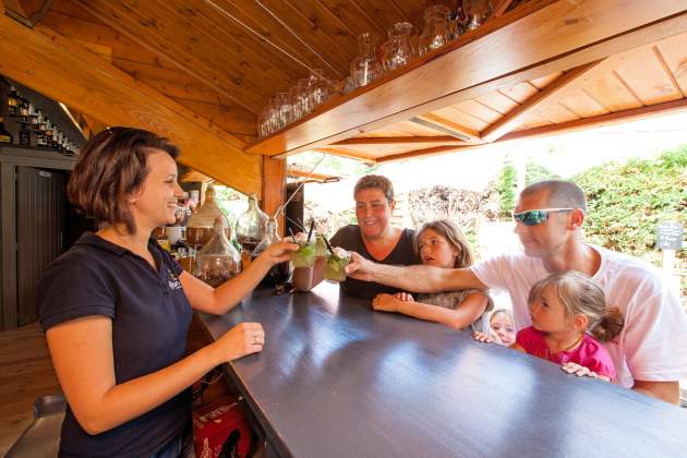 Cocktail sur le bar du camping